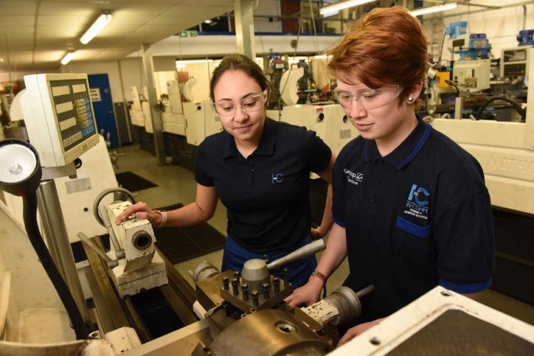 Survey-finds-manufacturers-divided-over-Apprenticeship-Levy